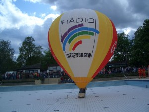 Modellballonbau_Hülle_Regenbogen_07